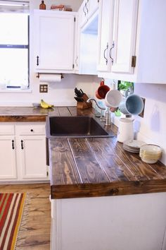15 Awesome DIY Wood Countertops Style Decorating Ideas https://www.onechitecture.com/2017/11/20/15-awesome-diy-wood-countertops-style-decorating-ideas/