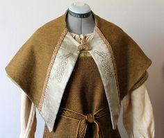 Triangle viking shawl. https://www.etsy.com/uk/listing/247304798/triangle-viking-shawl?ref=shop_home_active_24