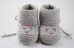 Sweet Baby Grey Moccasin Booties by pleasantlyplumpknits on Etsy, $35.00