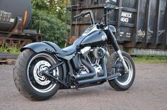 """2012 FatBoy Lo Build Thread – First phase of mods – TONS of Pics! """"How to's"""" and tips - Harley Davidson Forums Harley Davidson Forum, Harley Davidson Fatboy, Harley Davidson Motorcycles, Custom Motorcycles, Hd Fatboy, Harley Fatboy, Custom Street Bikes, Custom Bikes, Chopper"""