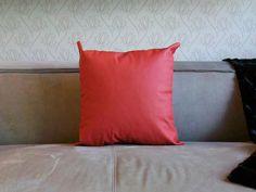 Fur Deco | split leather pillow red 45