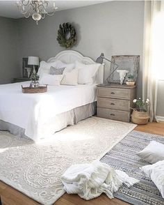 Vintage Decor Rustic Rustic Farmhouse Bedroom Decor Inspiration Ideas Post Roundup - We are working on a bedroom makeover and I found 21 amazing rustic farmhouse bedrooms for decor inspiration. Check out the post to see them all. Farmhouse Bedroom Decor, Cozy Bedroom, Home Decor Bedroom, Modern Bedroom, Bedroom Furniture, Rustic Farmhouse, Bedroom Ideas, Bedroom Rugs, Bedroom Carpet