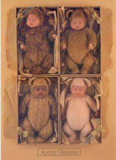 Anne Geddes Baby Bears Anne Geddes, Cute Kids, Cute Babies, Fairytale Creatures, Baby Vans, Barbara Ann, Baby Poses, Cute Baby Pictures, Newborn Photos
