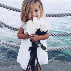 Baby Style // Kids Fashion // Young Style // Children's Fashion // Wild Child // Free Spirit // Moon Child // Boho Babies ❤︎ Little Babies, Little Ones, Cute Babies, Babies Pics, Cute Baby Girl, Baby Girls, Foto Baby, Baby Family, Family Kids