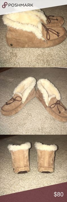 Alena ugg slipper moccasin Size 9 bought from another seller . They came smelling like smoke . Re selling due to they aren't my style . The only wear is a tiny bit on heel underneath .the top can be rolled down to look cuter . I also recommend a size 8 or 8.5 to wear these . I'm a 8.5-9 and they fit but if you want roomy an 8 or 8.5 size fits better. UGG Shoes Moccasins