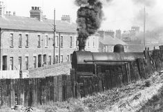 Dublin suburban line to East Wall, near Ossary Road Buses And Trains, Old Trains, Old Pictures, Old Photos, Vintage Photos, Gone Days, Dublin Street, Rail Train, Irish Culture