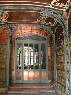 'Castel Béranger' / Art Nouveau (1894-1898) designed by Hector Guimard, 14, rue La Fontaine, Paris XVI