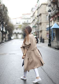 Today we are returning to winter with an outfit that I wore at the weekend. I was in the mood to...