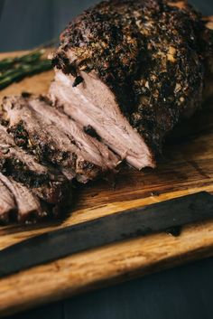 For a flavorful and satisfying pork roast recipe, look no further than Oven-Roasted Pork Butt with Rosemary, Garlic, and Black Pepper. Boneless Pork Butt Roast Recipe, Pork Roast In Oven, Pork Roast Recipes, Meat Recipes, Cooking Recipes, Pan Cooking, Pork Meals, Pork Loin, Chef Recipes