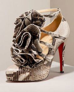 Snakeskin is evil... but that doesn't mean it's not pretty.