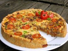 Tomaattinen jauhelihapiirakka