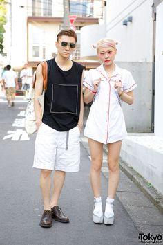 We met stylish Momo and Ryo in Harajuku recently. They were nice enough to stop for a few street snaps, and this is what we found out about their looks: Momo is a student and she's 19. Ryo is also 19