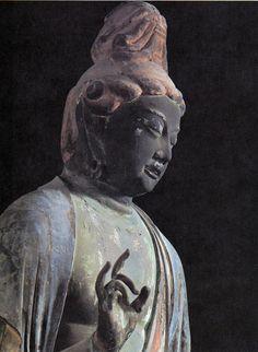 奈良 秋篠寺 技芸天立像