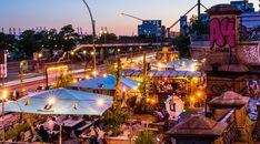 Hamburg Beer Week – Citytrip zum Bierfest | reiserobby.de Beer Week, Hamburger, Times Square, Fair Grounds, Fun, Travel, Cool Beer, Colorful Houses, Beer Garden