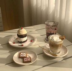 Aesthetic Coffee, Aesthetic Food, Brown Aesthetic, Korean Aesthetic, Cute Desserts, Dessert Recipes, Korean Cafe, Brown Cafe, Good Food