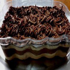 Receita de Pavê de Chocolate fica delicioso e fácil de fazer e a receita bem econômica, experimete mas essa sugestão para seus clientes. Quem gostou dá um UP!!! http://cakepot.com.br/receita-de-pave-de-chocolate/