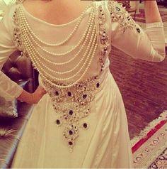 بوسعادي Love the idea, would change the colors Fashion Mode, Hijab Fashion, Desi Wear, Moroccan Caftan, Caftan Dress, Muslim Dress, Pakistani Dresses, Traditional Dresses, Dress Patterns