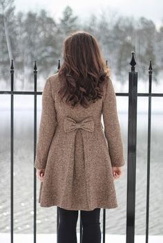 Bow coat. Ooh, I want this in black. Would be awesome if you could do a different bow color change like detachable