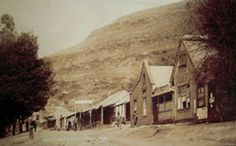 The town's original architecture remains largely unchanged since the heyday of the mining era, because the town was declared a National Monument. It became a provincial heritage site in 1986 Provinces Of South Africa, Inner World, True Facts, Shelters, Heritage Site, Pilgrim, Black People, Small Towns, First World