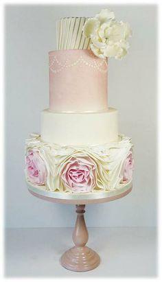 Unique custom wedding cakes Glasgow Edinburgh Scotlandh