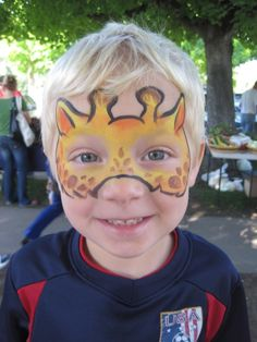 Giraffe face - animal face painting