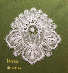 Montserrat de Tores Ribas Bobbin Lace Patterns, Needle Lace, Rings, Jewelry, Towers, Jewlery, Jewerly, Ring, Schmuck