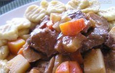 Pomalé ragú z diviaka s gnocchi (fotorecept) - myTaste. Gnocchi, Pork, Beef, Ethnic Recipes, Pork Roulade, Meat, Pigs, Ox, Ground Beef