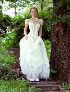 I love the corset and the cap sleeves on this wedding dress! - 12 Steampunk Wedding Dresses Looks more to me like a beautiful Southern Bell Wedding dress. Next Wedding, Dream Wedding, Steampunk Wedding Dress, Pirate Wedding Dress, Steampunk Dress, Wedding Dress Corset, Bridal Gowns, Wedding Gowns, Victorian Wedding Dresses