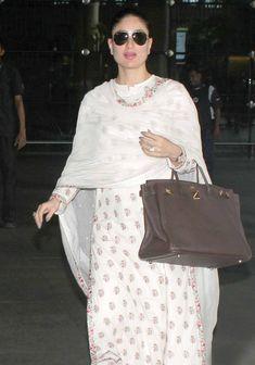 Kareena Kapoor at Mumbai airport. #Bollywood #Fashion #Style #Beauty #Hot #Ethnic