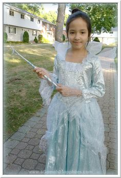 This is an easy, low-cost DIY Fairy Godmother magic wand craft to go with the Disney Cinderella Movie: Deluxe Fairy Godmother Costume for girls. Cinderella Fairy Godmother Costume, Fairy Godmother Wand, Themed Halloween Costumes, Cool Costumes, Magic Wand Craft, Disney Cinderella Movie, Diy Wand, Diy For Girls, Kids Decor