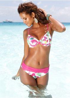 Bikinibovenstukje, Cup B