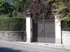 """Villa Belmonte - locul execuţiei lui Benito Mussolini de către """"Colonelul Valerio"""" (Walter Audisio)"""