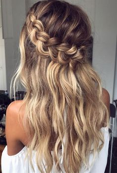 Braid crown wedding hairstyle perfect for bride and bridesmaids #braids #crownbraids #updo #hairdown #hairstyles #weddinghair