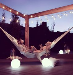 16 super Ideas for backyard hammock pergola dreams Backyard Hammock, Backyard Patio, Hammocks, Deck Hammock Ideas, Outdoor Hammock, Backyard Ideas, Outdoor Spaces, Outdoor Living, Outdoor Decor