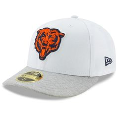 5f7fe5a6e35 Men s Chicago Bears New Era White Heathered Gray Tech Sweep Low Profile  59FIFTY Fitted Hat