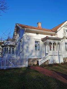 Kristiina K: OLETKO KÄYNYT MAARIANHAMINASSA TALVELLA? Islands, Mansions, House Styles, Home Decor, Mansion Houses, Homemade Home Decor, Manor Houses, Island, Fancy Houses