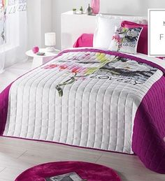 dizajnerske-presivane-bielo-fialove-prikryvky-na-dvojpostel-v-orchideami Comforters, Blanket, Bed, House, Furniture, Design, Home Decor, Christmas, Bedding