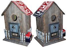 Neat bird house