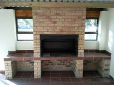 Building my own braai - need input on chimney design Built In Braai, Built In Grill, Indoor Outdoor Living, Outdoor Rooms, Outdoor Patios, Outdoor Kitchens, Parrilla Interior, Outdoor Barbeque, Brick Bbq