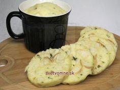 Žemľová knedľa varená v porcelánovom hrnčeku • Recept   svetvomne.sk Mashed Potatoes, Mugs, Tableware, Ethnic Recipes, Food, Basket, Whipped Potatoes, Dinnerware, Smash Potatoes