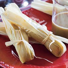 Learn how to make Sugar-and-Spice Fruit Tamales. MyRecipes has tested recipes and videos to help you be a better cook. Sweet Tamales, Corn Tamales, Tamale Casserole, Tamale Pie, Best Tamale Recipe, Homemade Tamales, Wrap Recipes, Pie Recipes, Drink Recipes