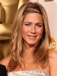 Jennifer Aniston WHEN AND WHERE The 2009 Academy Awards WHY WE LOVE IT The hairline braid was a super-simple tweak that elevatedAniston's covetable sun-kissed layers. Try on Jennifer Aniston's many hairstyles with our Hollywood Makeover Tool! Oscar Hairstyles, Cool Braid Hairstyles, Spring Hairstyles, Celebrity Hairstyles, Down Hairstyles, Pretty Hairstyles, Hairstyles Pictures, French Plait Hairstyles, Bangs Hairstyle