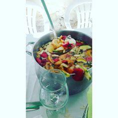 O Barriguinhas Sangria, Pasta Salad, Food And Drink, Ethnic Recipes, Wine, Recipes, Beverages, Green, Crab Pasta Salad