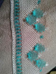 This Pin was discovered by Nur Hand Embroidery, Machine Embroidery, Moda Emo, Needle Lace, Lace Making, Bargello, Fashion Sewing, Eminem, Tatting