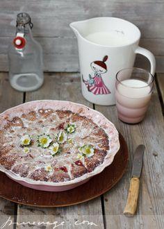 Pure Vegetarian By Lakshmi: Strawberry & Rhubarb Pie
