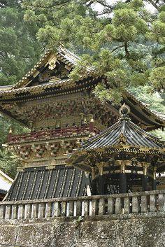 "Nikkō Tōshō-gū (日光東照宮) is a Shinto shrine located in Nikkō, Tochigi Prefecture, Japan. It is part of the ""Shrines and Temples of Nikkō"", a UNESCO World Heritage Site. Nikko, Yokohama, Kyoto, Places Around The World, Around The Worlds, Art Occidental, Japanese Temple, Japanese Shrine, Go To Japan"