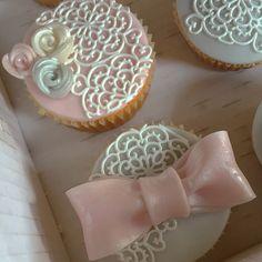 Romantici cupcakes in stile shabby chic ☺️ #instafood #ilas #ilasSweetness #cupcakes #shabbychic  https://www.facebook.com/ilascake