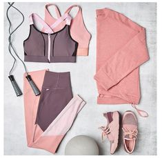 Discover recipes, home ideas, style inspiration and other ideas to try. Fall Workout Outfits, Workout Attire, Workout Wear, Nike Workout Gear, Yoga Workouts, Workout Tanks, Sporty Outfits, Athletic Outfits, Summer Outfits