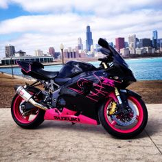 Nothing compares to females on two wheels! Here's Natalie G's GSX-R sporting the pink in Chicago!