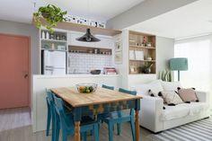 Apartamento pequeno em Perdizes é pura inspiração! Small House Interior Design, Apartment Interior Design, Kitchen Interior, Kitchen Decor, House Design, Sweet Home, Indian Home Interior, Condo Living, Small Space Living